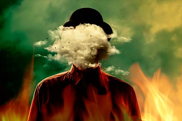 Las llamas se desbordan desde el interior de la tostadora - Ignacio Isusi